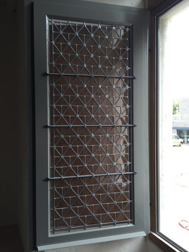 vergettes en métal pour fixation vitrail