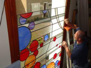 pose-vitraux-contemporains-maison-particulier