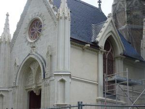chantier-restauration-vitraux-endommage